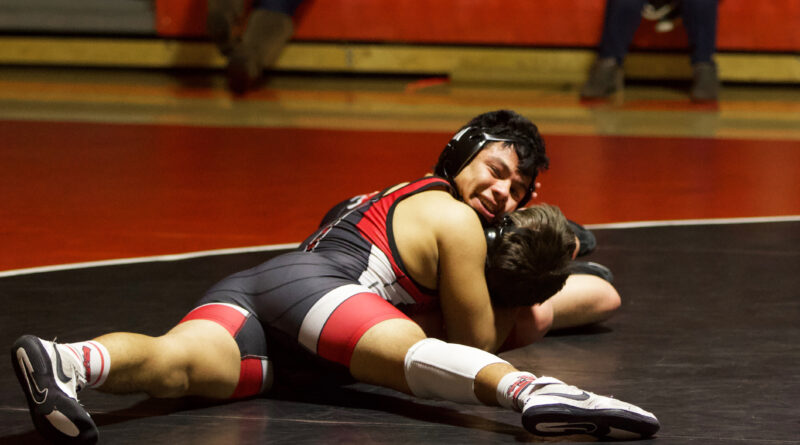 Injuries don't Stop Wrestlers from Trying to Fight